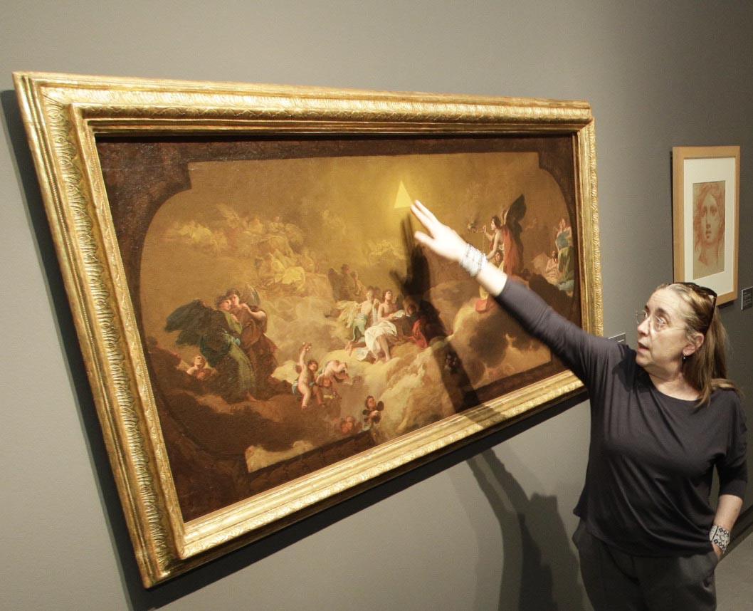 Manuela Mena junto al boceto del Coreto.