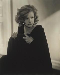 Greta Garbo, por Edward Steichen, Hollywood, agosto 1928, © Colección de Edward Steichen-Dr. Marita-Ruiter-Galerie-Clairefontaine-Luxe.