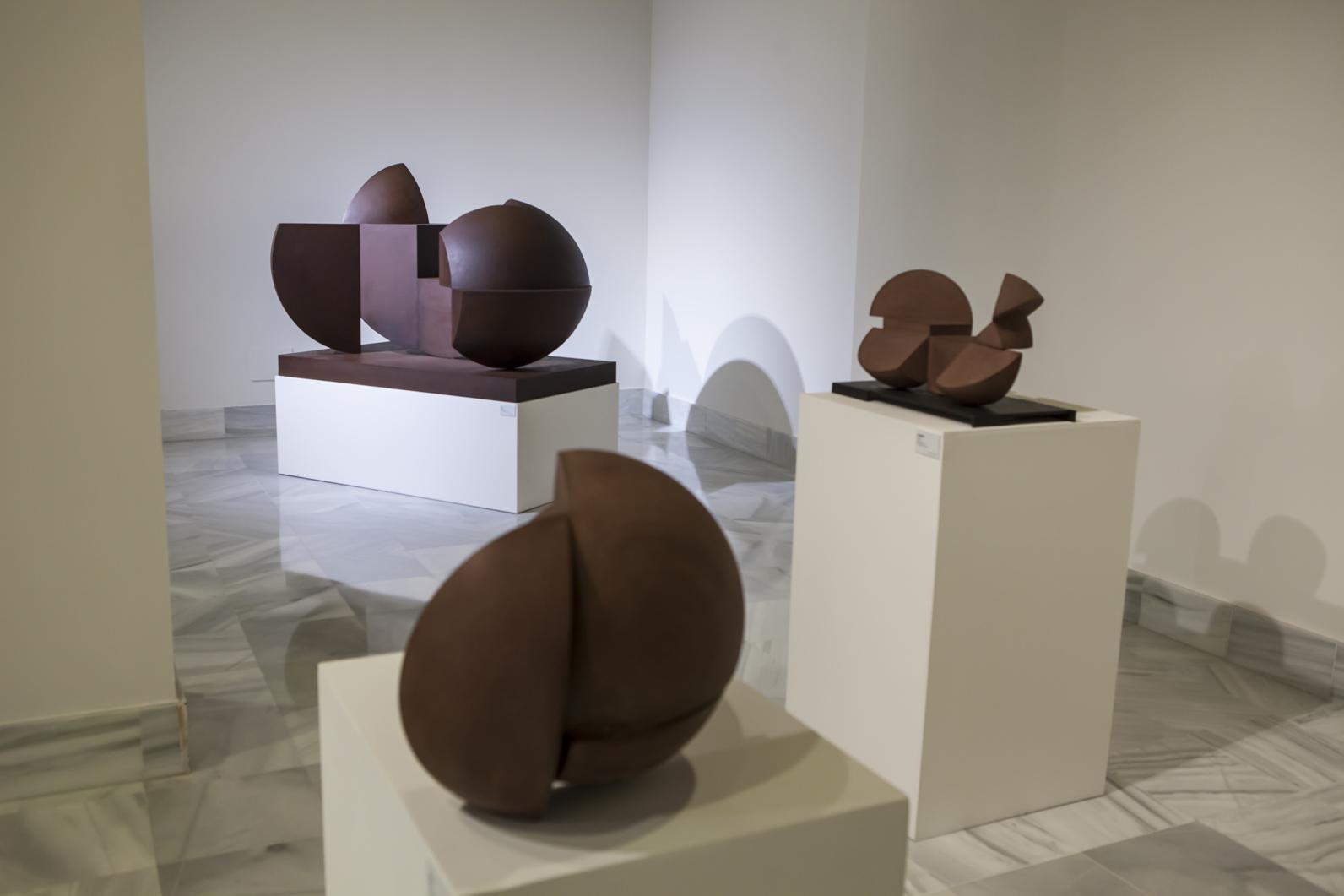 Detalle de la una de las salas de la exposición La esfera íntima en la Casa de Iberoamérica (Cádiz), 2014. Foto: Custo Tejero.