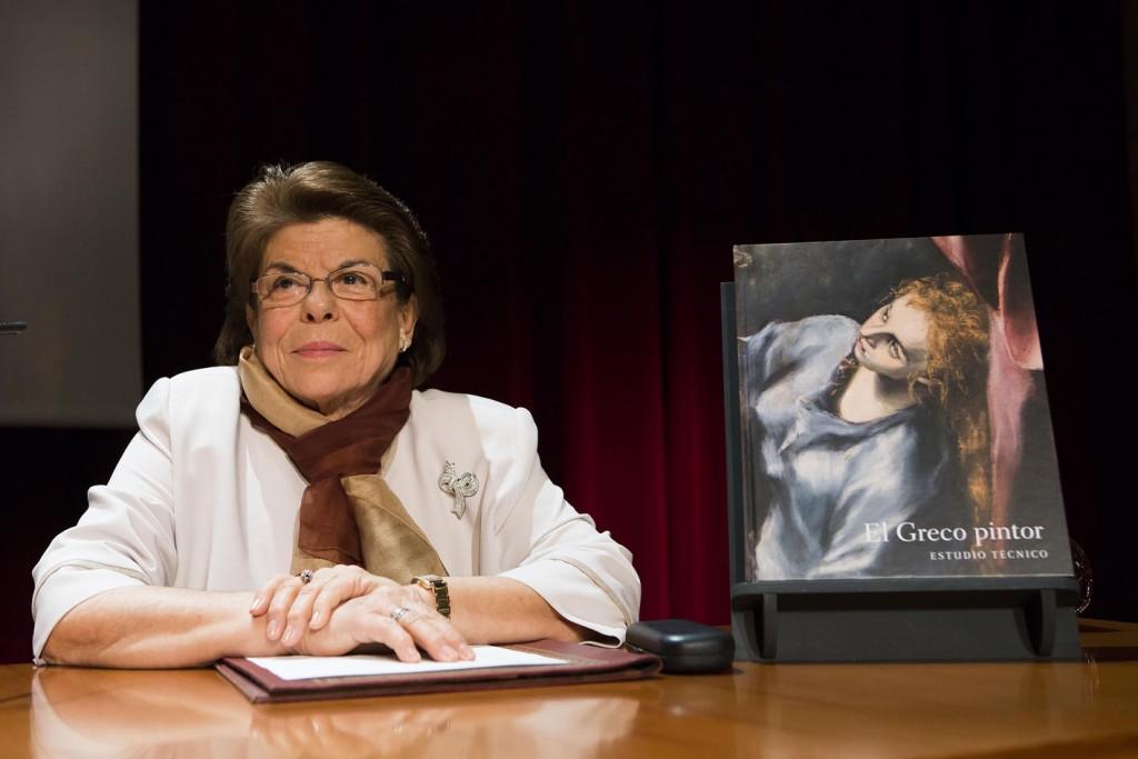 """Carmen Garrido, autora del libro """"El Greco pintor. Estudio técnico"""". Foto © Museo del Prado."""