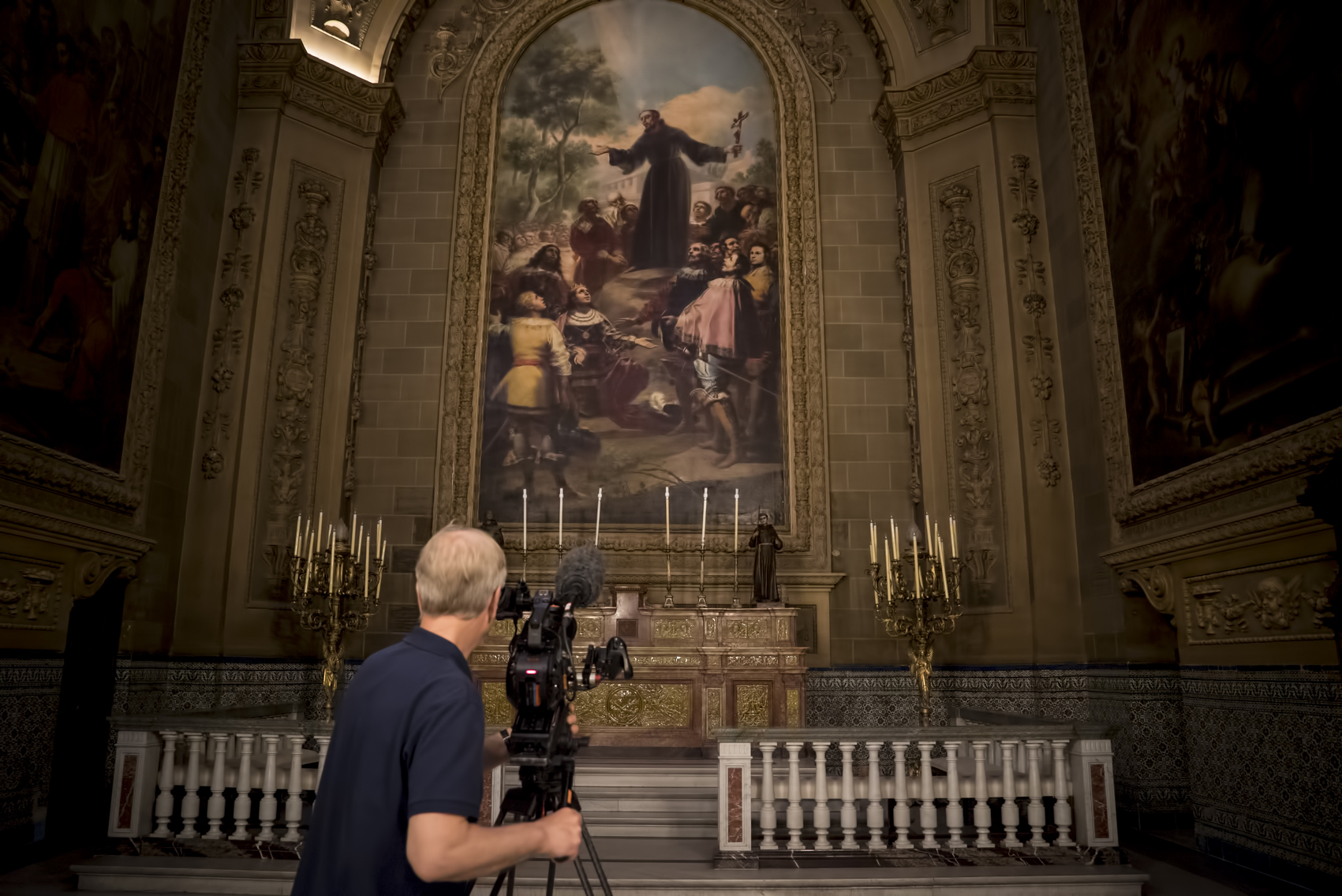 Rodando en la Basílica de San Francisco el Grande de Madrid. Productions David Bickerstaff.