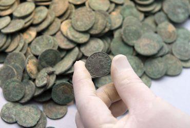 Hallado en Sevilla un tesoro de 600 kilos de monedas romanas