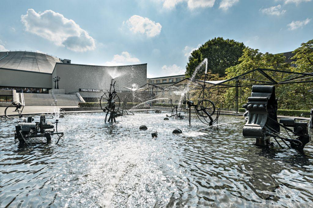 Fuente con esculturas cinéticas, Museo Tingueley, Basilea.