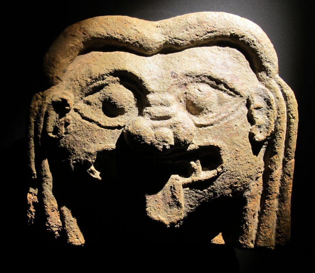 Cabeza, siglo VI a.C.
