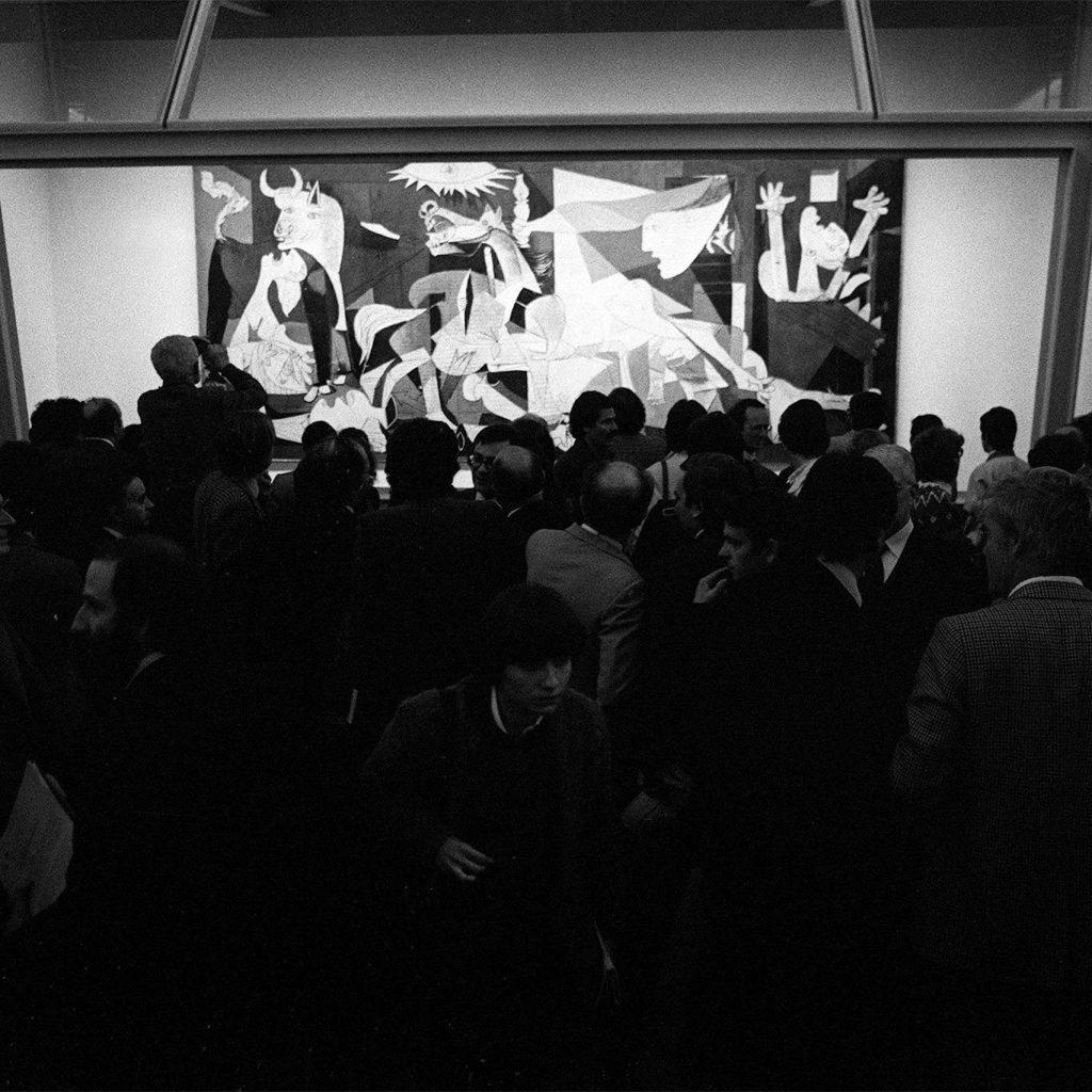 Presentación del Guernica en el Casón del Buen Retiro.