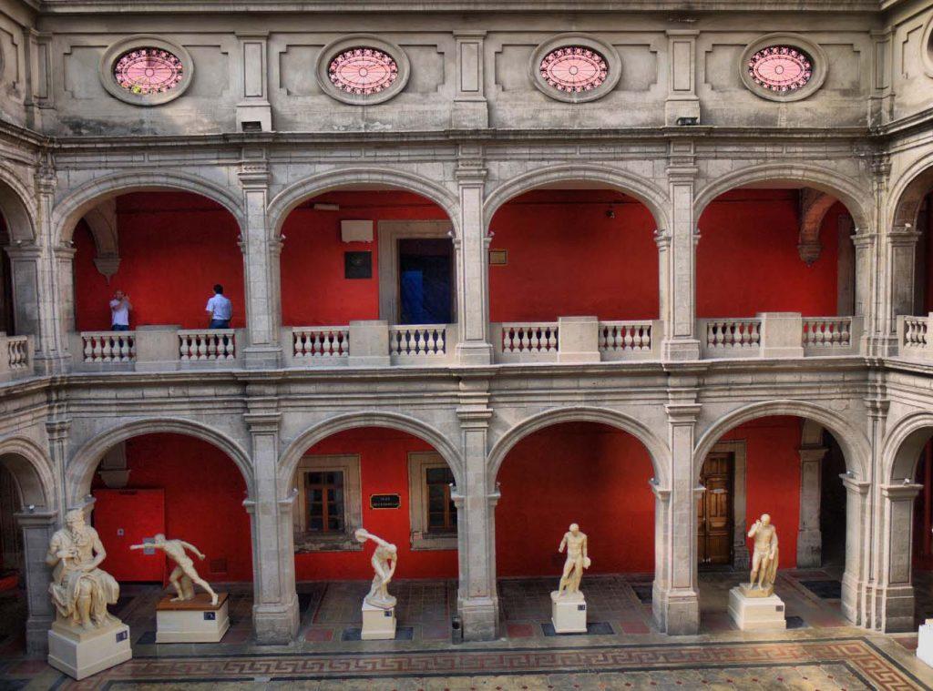 Patio de la Academia de San Carlos. México.