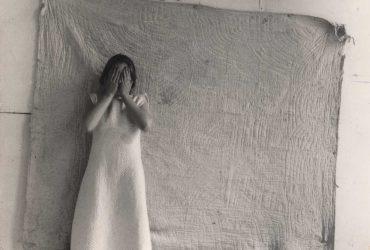 Francesca Woodman: reivindicación de la conciencia del cuerpo femenino