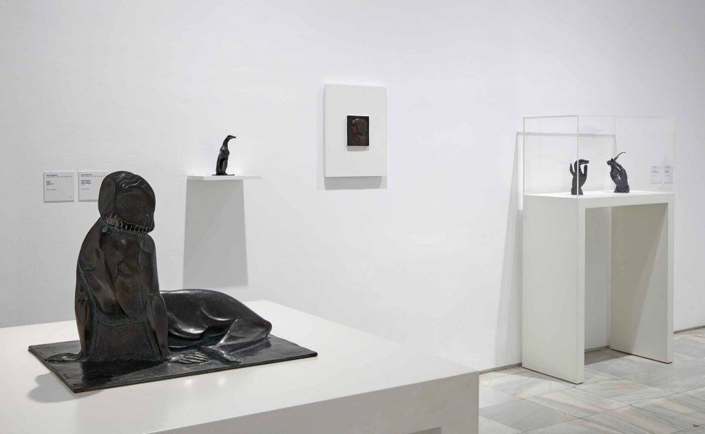 Pablo Gargallo: rostros esculpidos en chapa de plomo Artes & contextos 03 Vista de Sala