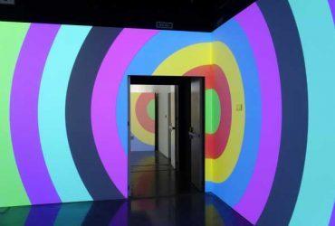 Daniel Buren: proyecciones en colores