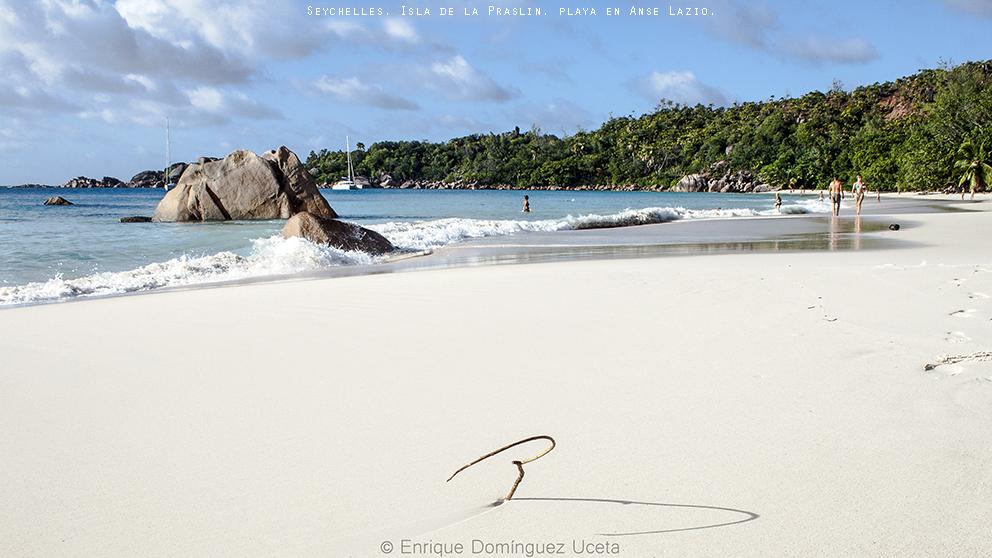 Playa en Anse Lazio, en la isla de Praslin, Seychelles. © Enrique Domínguez Uceta