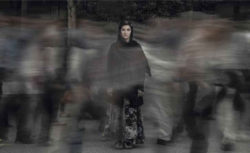 Too-Loud-A-Solitude-2015-_video-portrait-of-SG-@-Shadi-Ghadirian.jpg