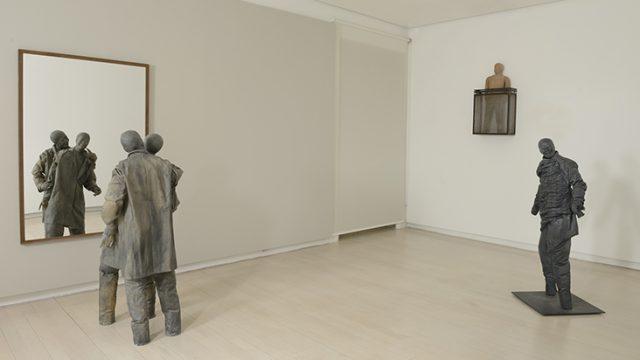 13.-Juan-Muñoz-en-Galería-Elvira-González.-Foto©Cuauhtli-Gutiérrez.jpg