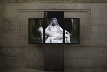 Bill-Viola-Mary-2016-video-triptych-Executive-Producer-Kira-Perov-Courtesy-BlainSouthern-Photo-Peter-Mallet.jpg