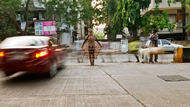 Shakuntala-Kulkarni-Photo-Performance-Relief-Road-Santacruz-West-courtesy-of-the-artist-and-chemould-prescott-road.jpg