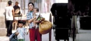 Fotograma de la película ¡Vivir!, 1994.