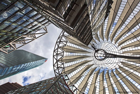 Sony Center, de Helmut Jahn. Postdamer Platz, Berlín. © Mercedes Peláez.