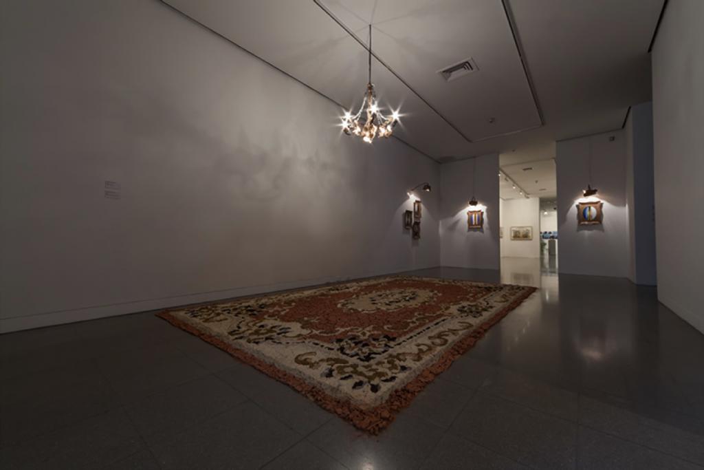 Instalación en la sala polivalente de la primera planta del artista Adrián Gaitán.