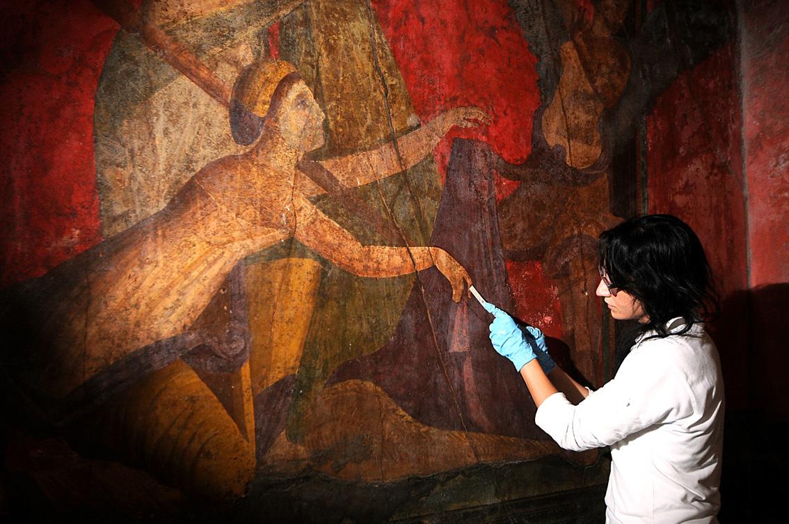 Los Frescos De La Villa De Los Misterios Pompeya Lucen De Nuevo En