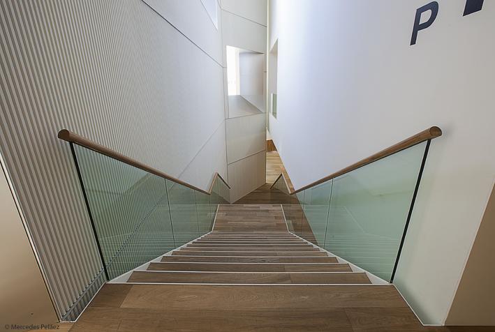 Escalera principal. Ampliación del Museo de Bellas Artes de Asturias / © Mercedes Peláez.