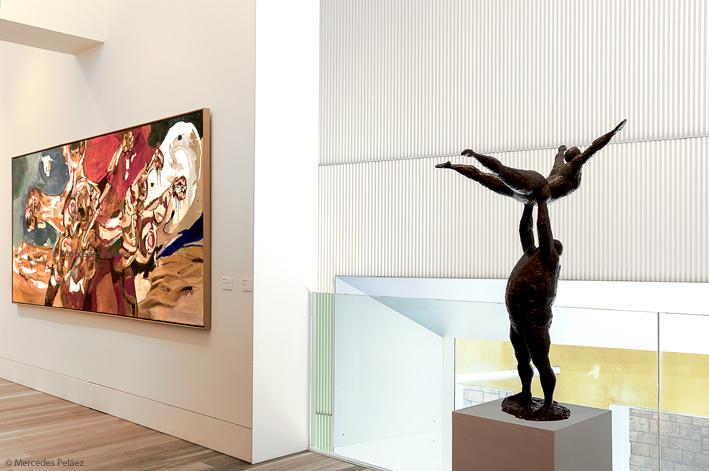 Sobre una guerra civil (tríptico) de Jaime Herrero, 1964. Acróbatas de César Montaña, 1959. Ampliación del museo de Bellas Artes de Asturias / © Mercedes Peláez.