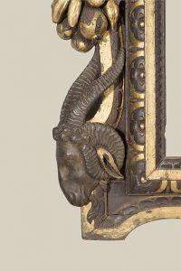Detalle de un marco Sansovino de nogal con partes bañadas en oro, h. 1550, 140 x 147 cm, colección privada © photo The National Gallery, London.
