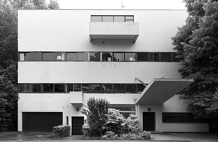 Villa Stein-de Monzie, por Le Corbusier, 1926-1928, Vaucresson, Francia.