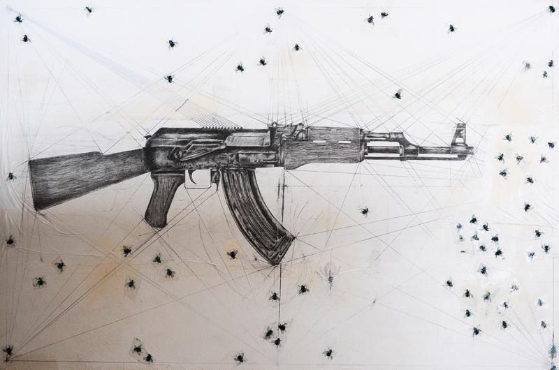 Ak 47, por Frabizio Cotognini, 2014, en Prometeo Gallery.