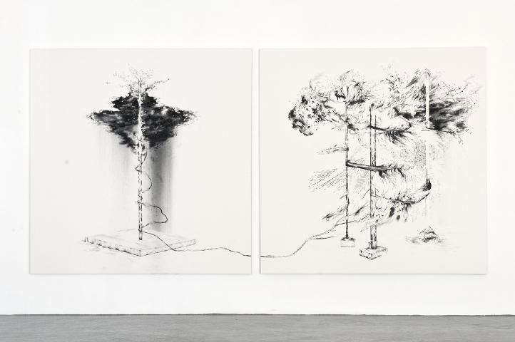 Sans Titre, por Abdelkader Benchamma, 2011, tinta y rotulador sobre tela, 200 x 200 cm cada tela. ADN Galería. Foto ©Roberto Ruiz.