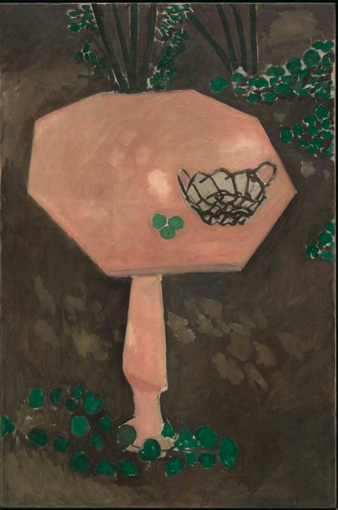 La mesa rosa de mármol, por Henri Matisse, Issy-les-Moulineaux, primavera-verano, 1917, óleo sobre lienzo, 146 x 97 cm, The Museum of Modern Art, Nueva York. Mrs. Simon Guggenheim Fund, 1956. Foto (c) 2015. Digital image, The Museum of Modern Art, New York/Scala, Florence / (c) Succession H. Matisse/ DACS 2015.