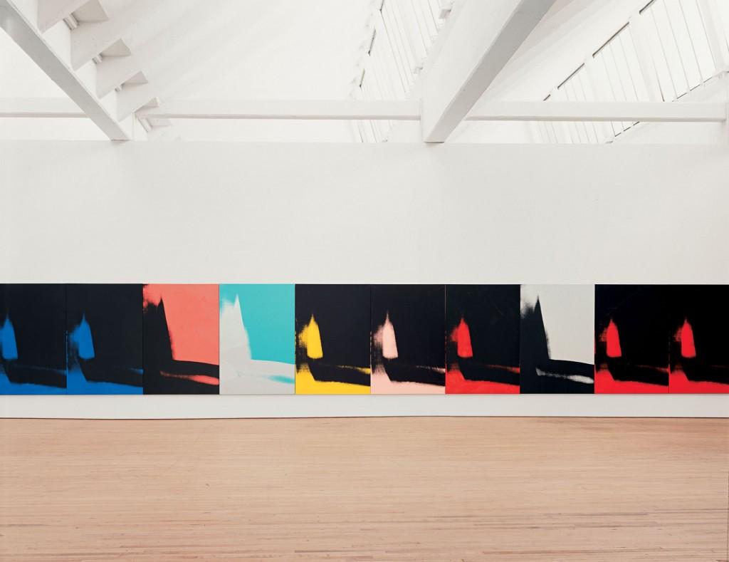 Shadows, por Andy Warhol, 1978–79 Instalación de 72 de 102 paneles, acrílico, serigrafía pintada sobre lienzo, 193 x 132 cm, cada una, Dia Art Foundation. Fotografías: Bill Jacobson.