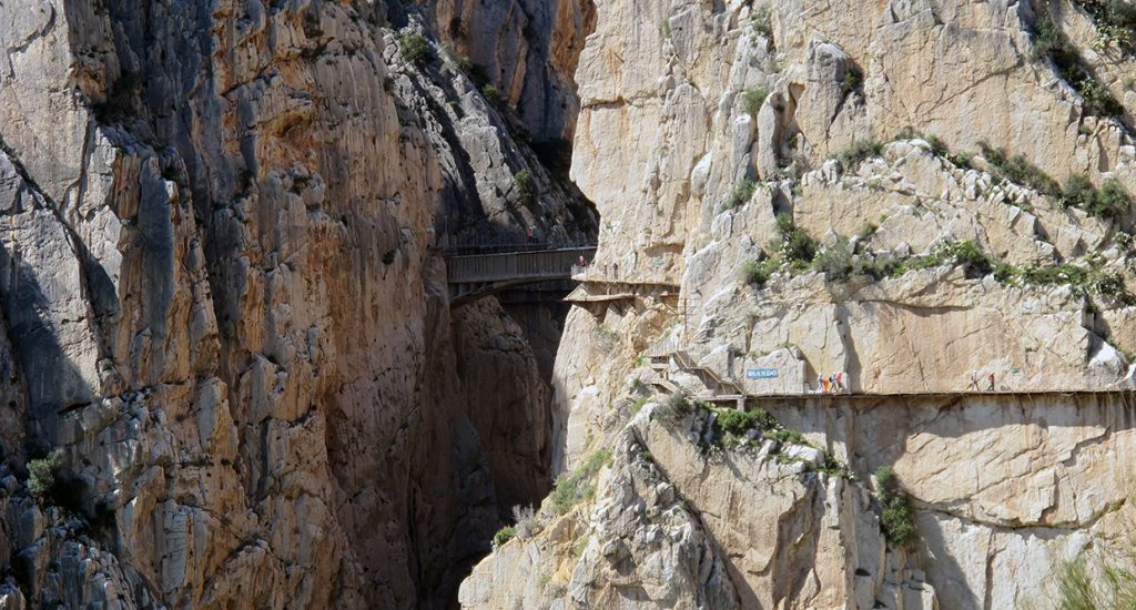 Foto que muestra el Camino del rey de Málaga ya restaurado.
