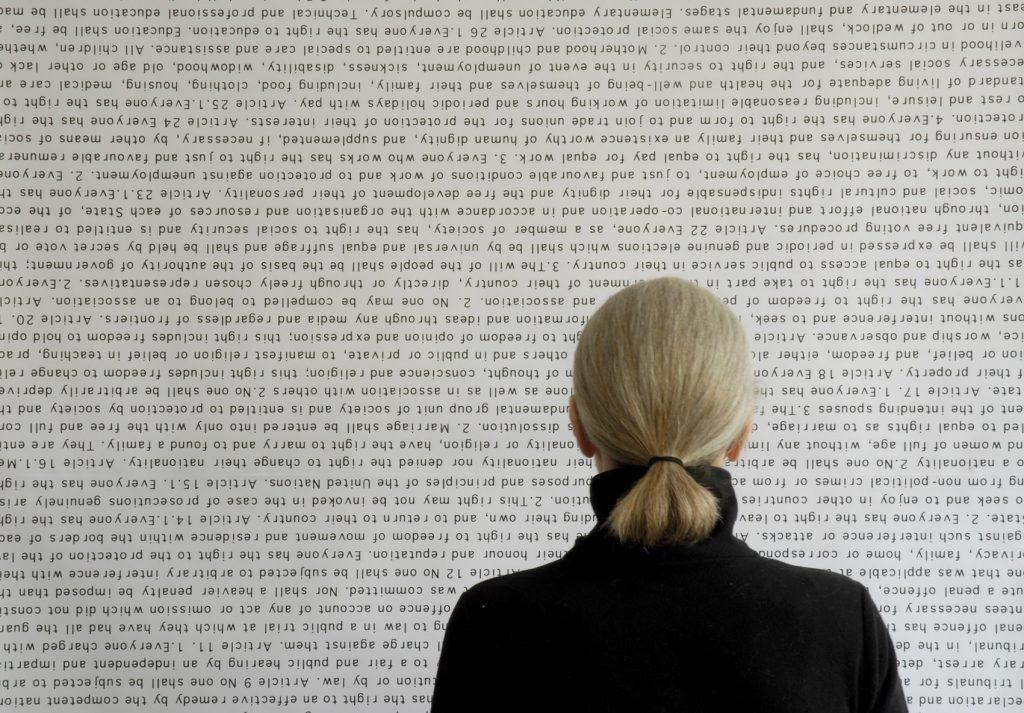 Actos de memoria, por Monica Ross, 2008-13, vídeo y póster, color y sonido, 120'.