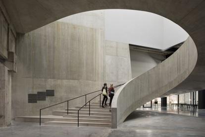 Vista del interior de la ampliación de la Tate Modern.