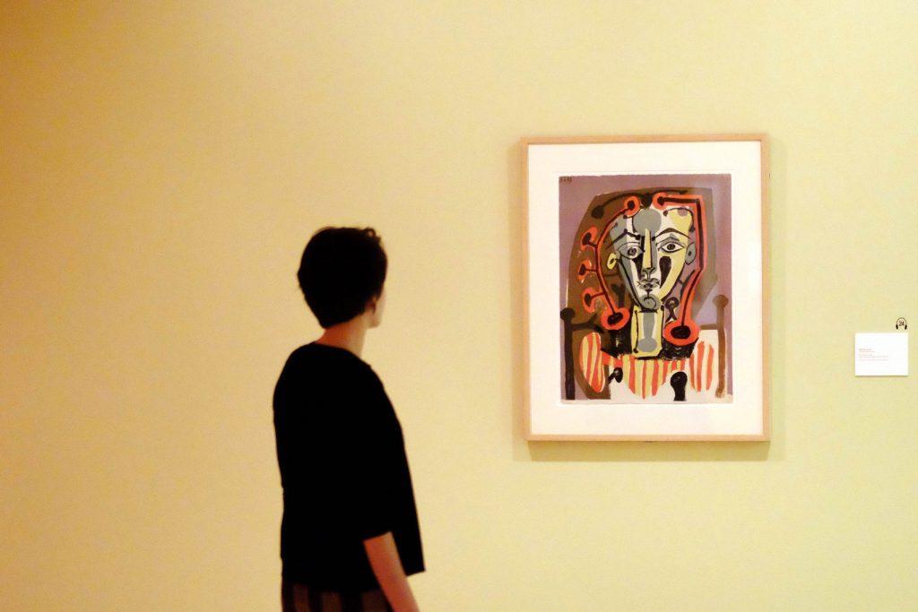 Una de las salas de la Fundación Picasso Museo Casa Natal, Málaga, donde se exhibe El canto de los signos.