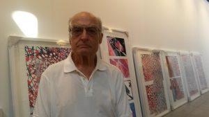 Luis Gordillo en el espacio de su exposición en Estampa 2016 (antes del montaje).