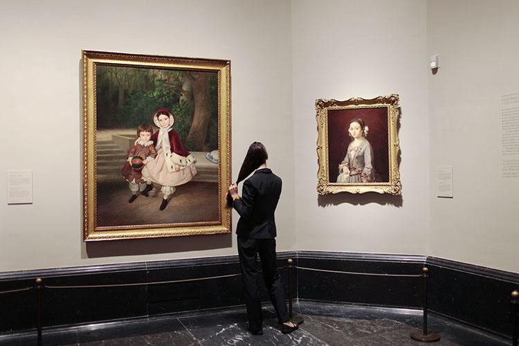 Vista de la exposición La infancia descubierta en el Museo del Prado.