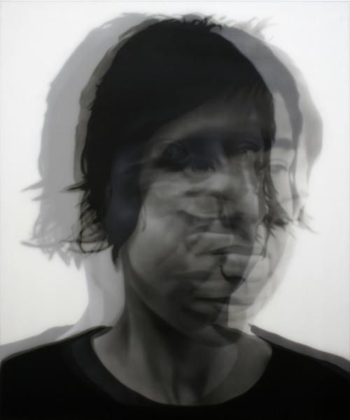 Lo difuso I, por Sergio Luna, 2009, acrílico sobre lienzo y gasa, Colección DKV: