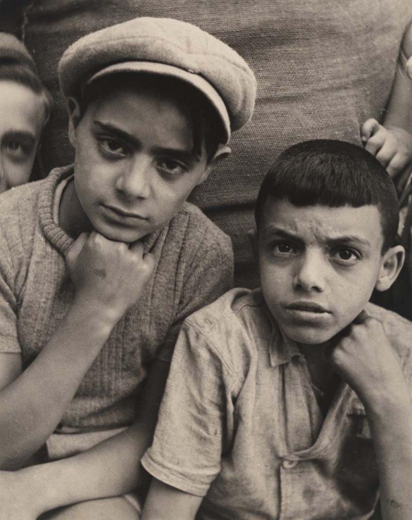 Tres niños, Marsella, 1938.