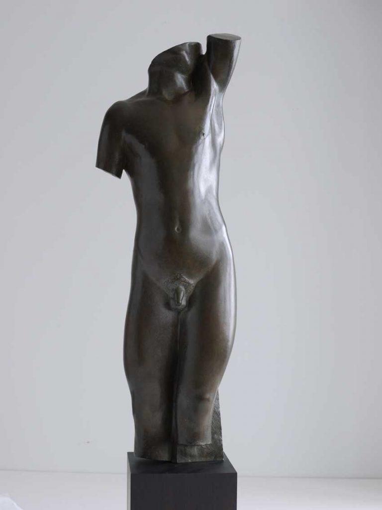 """Torso de gitano"", 1924, bronce, ejemplar EA 1/3, fundidor Coubertin, 71 x 24.2 x 22 cm."