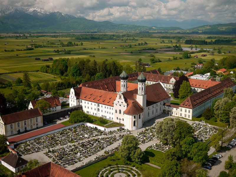 Monasterio benedictino de Benediktbeuern, donde aparecieron los poemas goliardos.