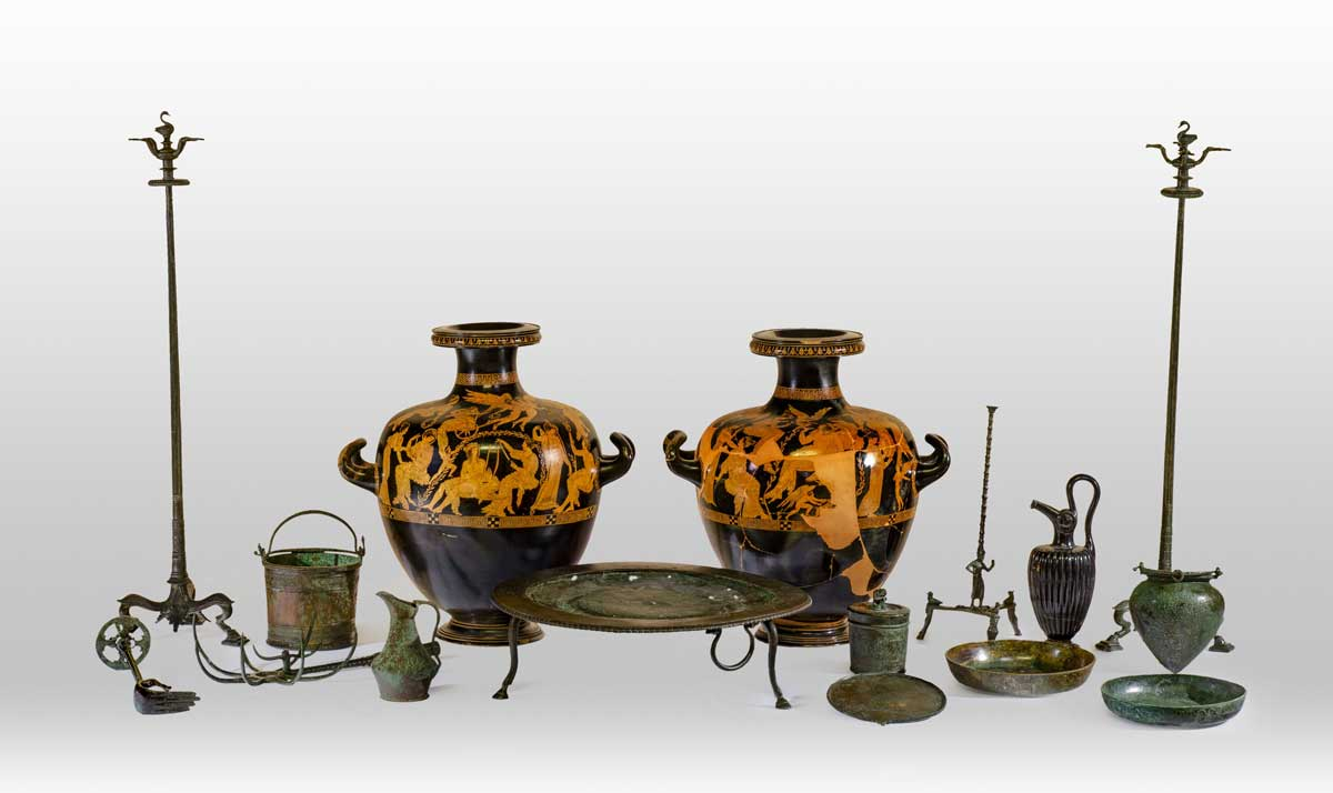 Uma Viagem ao Epicentro do Universo Etrusco Artes & contextos 7 Corredo tomba hydriae Meidias