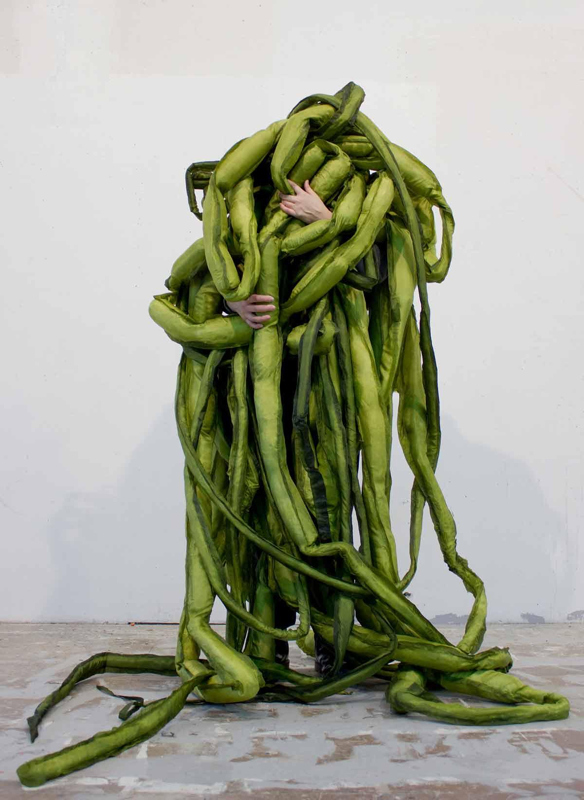Um encontro vegetal - diálogo vivo com a natureza Artes & contextos 01 La Casa Encendida Un encuentro vegetal A Great Seaweed Day Gut Weed Ulva Intestinalis Ingela Ihrman 2019 jpg