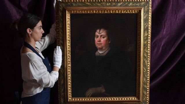 Velazquez-Portrait-of-Olimpia-Maidalchini-Pamphilj.jpg